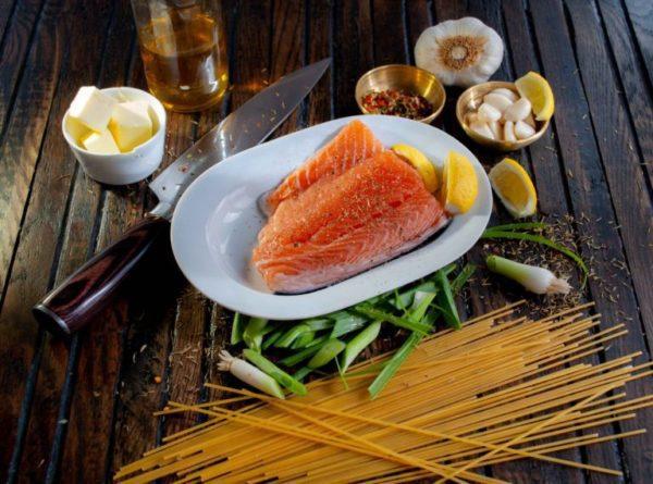Salmon and dry pasta